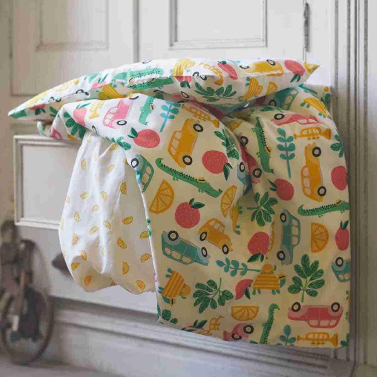 decorar dormitorio de bebe con textiles ikea