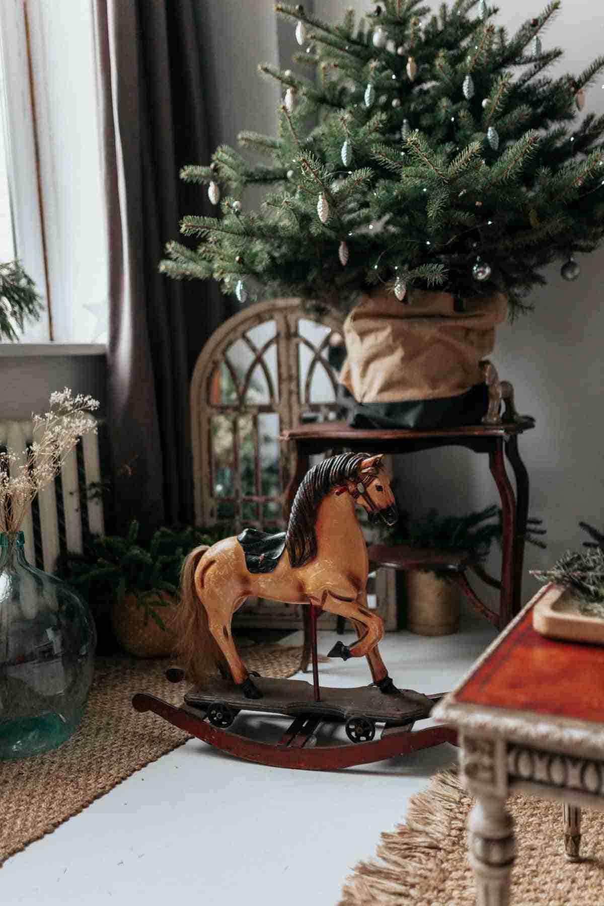 arbol navideno diy sobre mesa