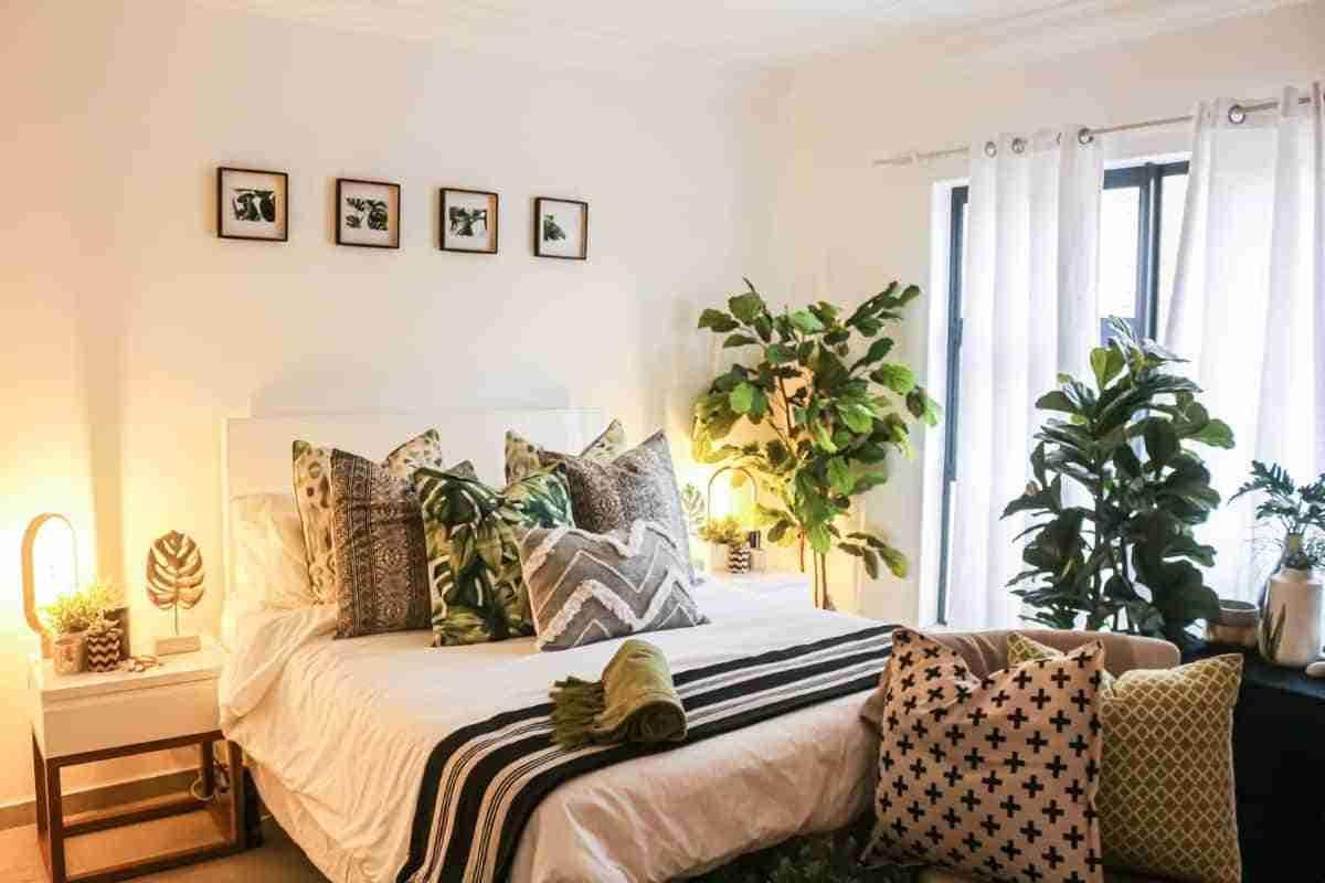 dormitorio con jardin interior