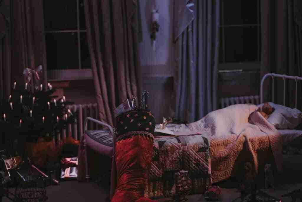 dormitorios infantiles con arboles navidenos