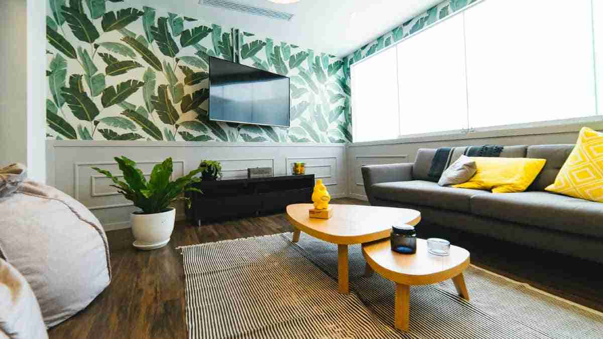 pared con hojas