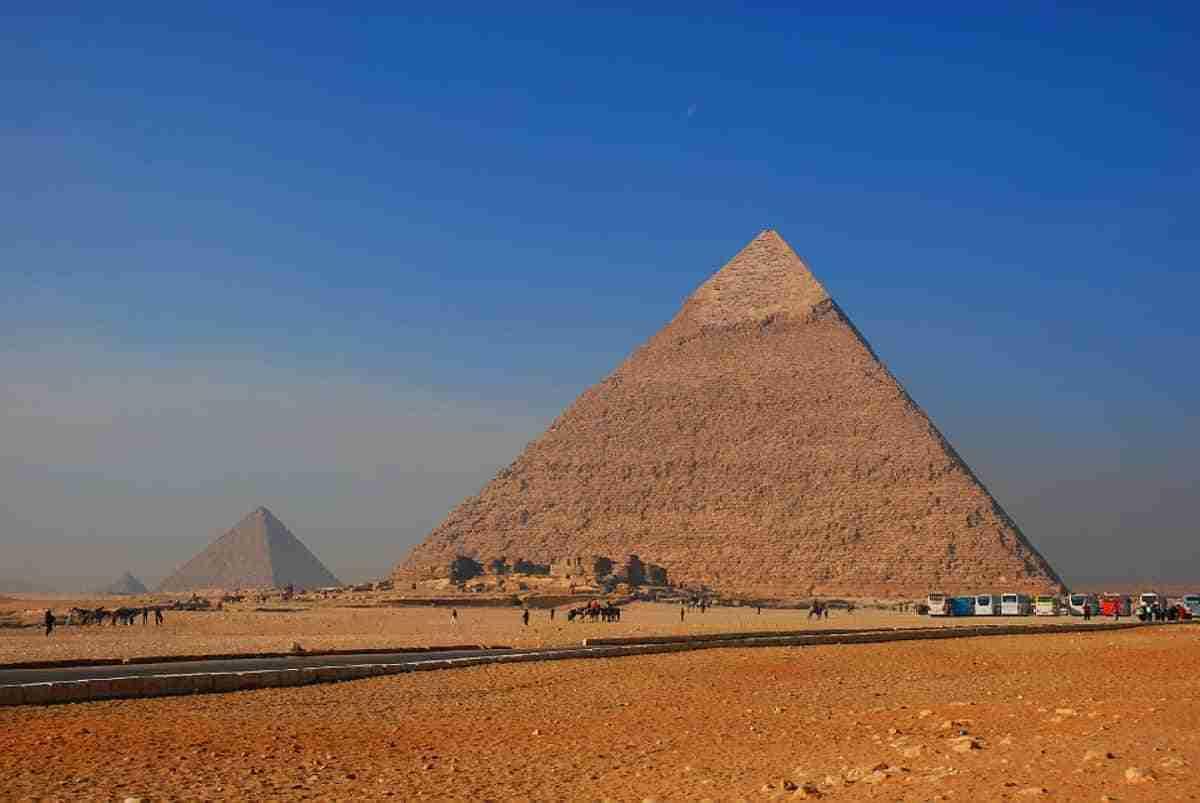 pirámides cerca de el cairo