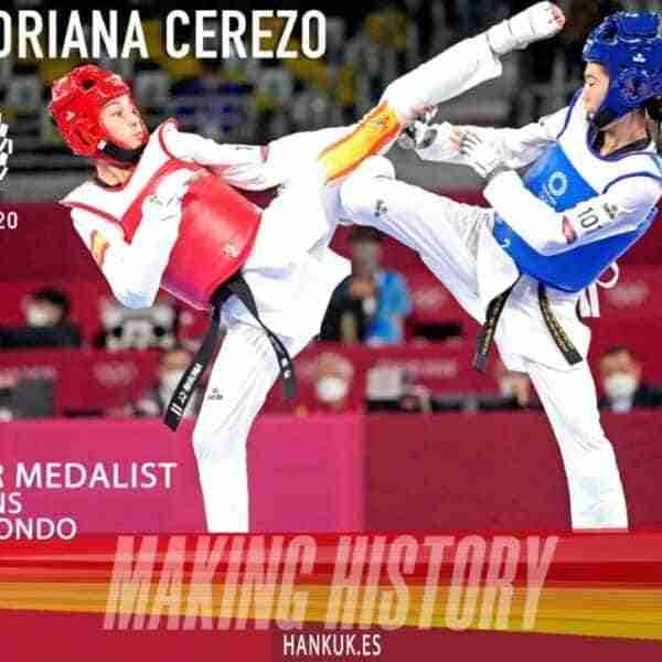 Adriana Cerezo, 17 años, medalla de plata en Taekwondo en Tokio 2020