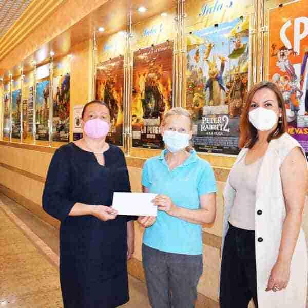 """Protectora de animales y plantas """"Huellas"""" ha recibido donación de la Concejalía de Infancia y Juventud"""