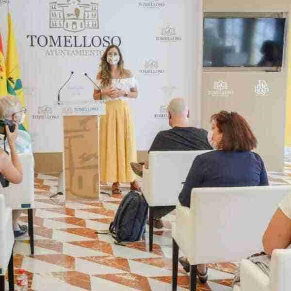 Un grupo de prensa especializada en viajes y gastronomía visita Tomelloso