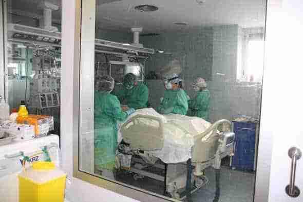 Se reducen los nuevos casos y permanece estable el número de hospitalizados por COVID-19 en Castilla-La Mancha