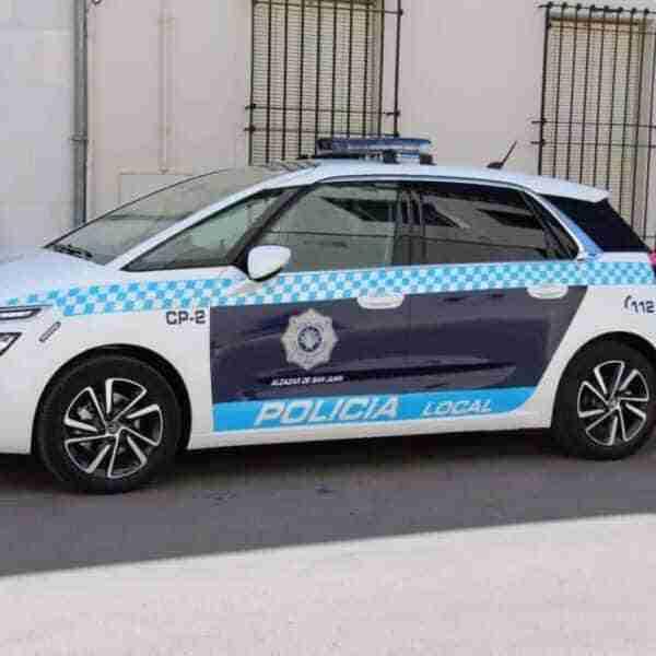 La Policía Local de Alcázar de San Juan detiene a una persona por robo en un establecimiento e identifica a un segundo individuo