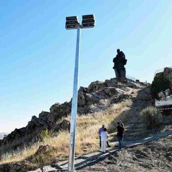 La iluminación artística del Monumento al Minero de Puertollano ya está en marcha