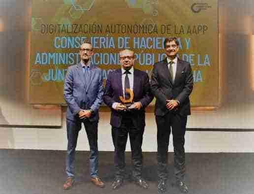 Castilla-La Mancha recibe un premio por su iniciativa para crear centros de conocimiento tecnológico