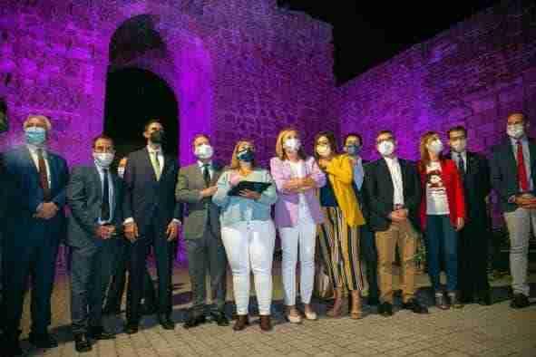 """El Gobierno regional destaca que con la iluminación de la Muralla de Talavera """"se alumbra la memoria de quienes han contribuido a construirla y preservarla"""""""
