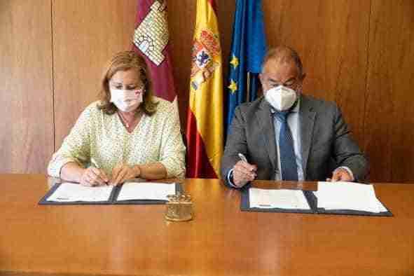 Firmado un acuerdo de colaboración para el fomento de actividades-servicio y de la investigación en centros educativos