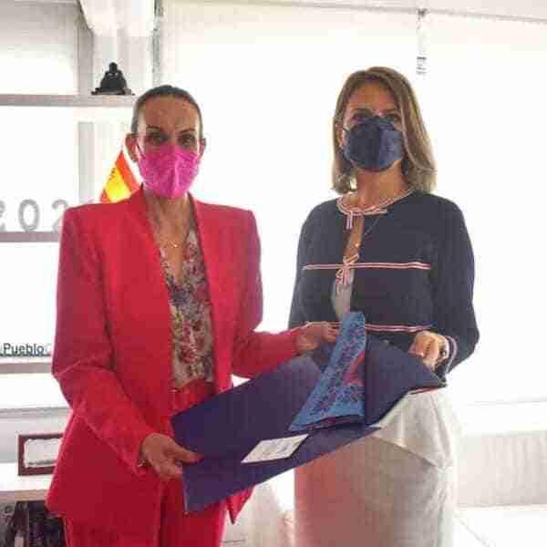 Eva María Masías recibe a la cónsul de Rumanía en Ciudad Real, Florenta Ciobotaru