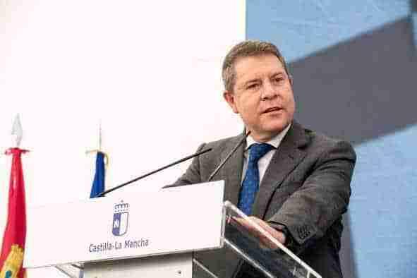 """García-Page reclama """"un paso adelante"""" en la puesta en marcha de la tercera dosis de la vacuna contra el COVID en las residencias de mayores"""