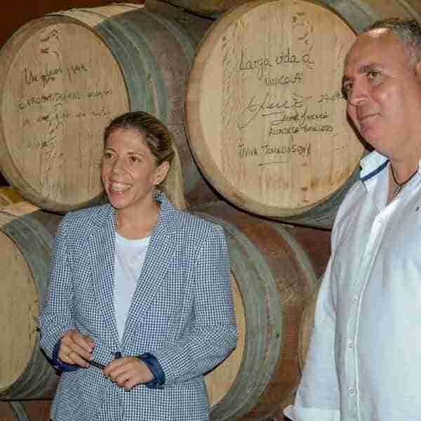 La Cooperativa Vinícola de Tomelloso recibe la visita de la alcaldesa, Inmaculada Jiménez