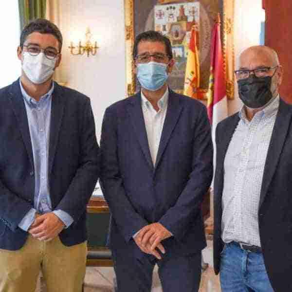 Primer encuentro institucional del presidente de la Diputación de Ciudad Real y el nuevo alcalde de La Solana