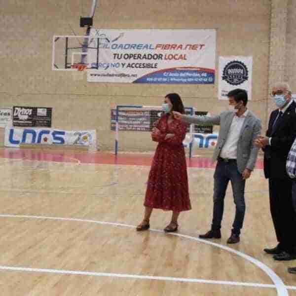 El Pabellón Antonio Caba de Manzanares ya cuenta con la nueva pista