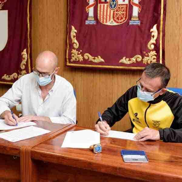 Firmado el convenio de colaboración entre el Ayuntamiento y el Club de Atletismo Argamasilla