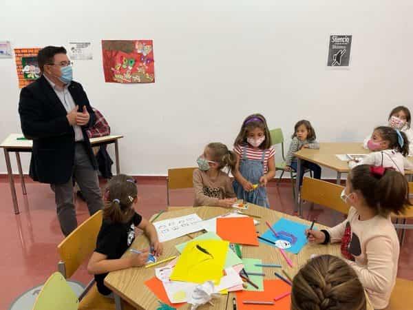 El Día de las Bibliotecas se celebra en la Red Municipal con encuentros, talleres y homenajes a Alfonso X El Sabio