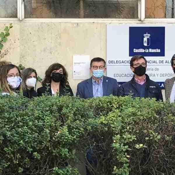 La Fundación DOCOMOMO_IBÉRICO cataloga y otorga su placa a dos nuevos edificios en Albacete capital