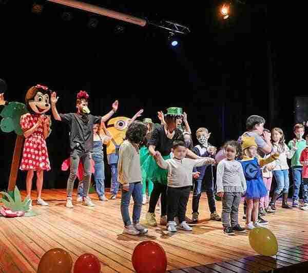 La Semana de la Juventud concluyó con teatro y cantajuegos en el Teatro Municipal