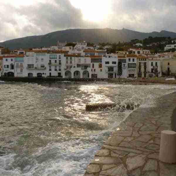 Visitar el pueblo de Cadaqués en la Costa Brava España